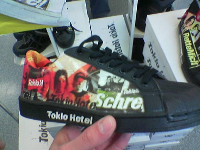 Emodivat - Tokio Hoteles cipő - nesze neked adidas superstar