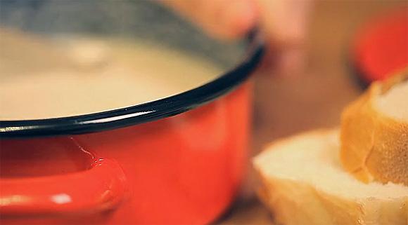 Hogyan készül a zsíros kenyér?