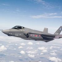 A földre kényszerült az F-35-ös