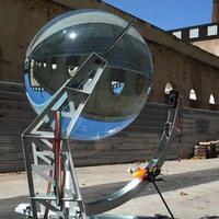 Óriási üveggömbökkel a környezetért