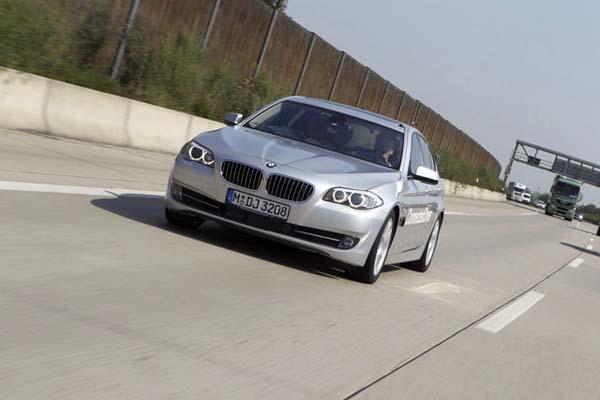 BMW-self-driving.jpg