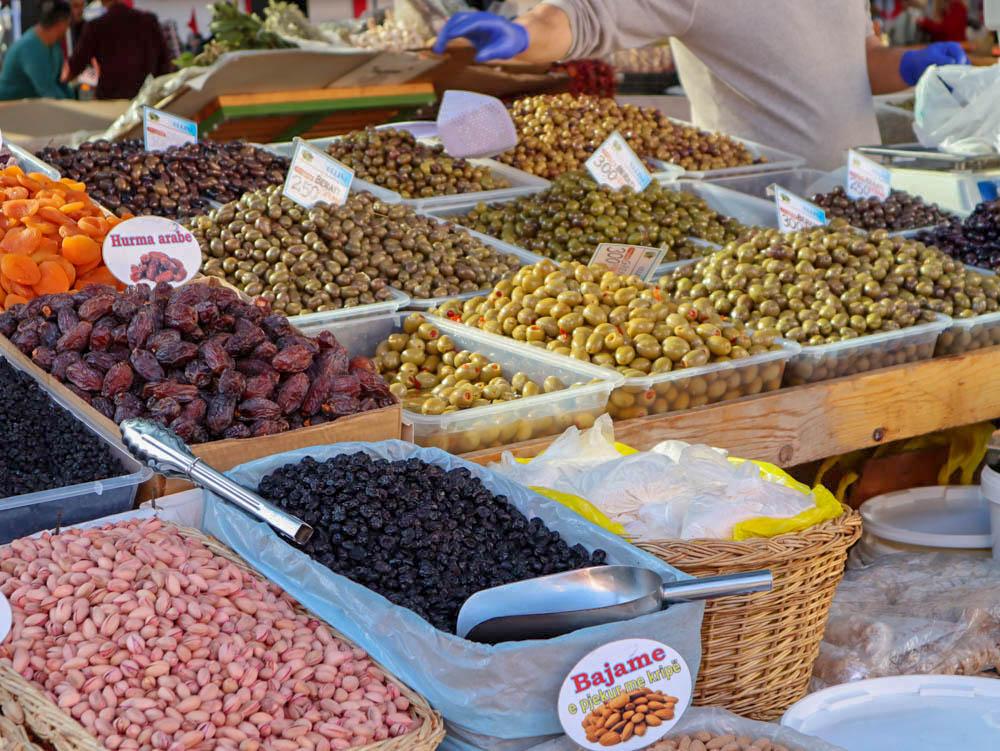 Új piac, Tirana