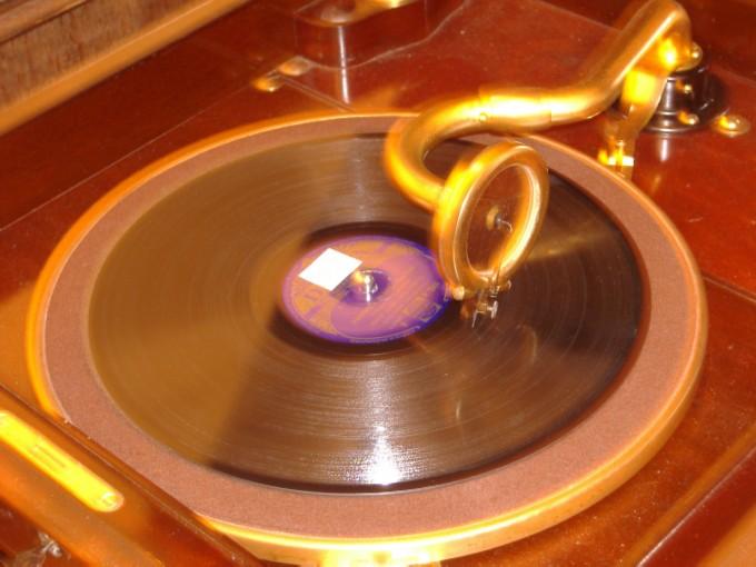 Gramofon_6.jpg
