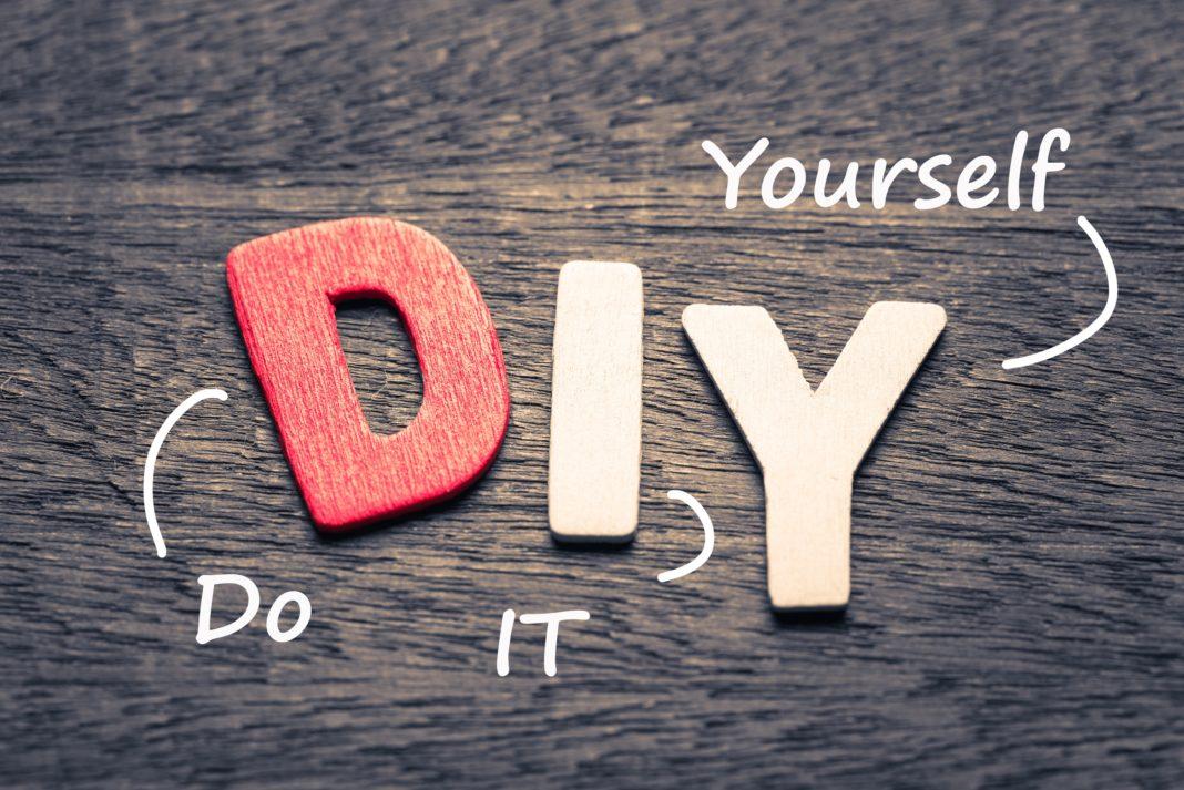 diy-do-it-yourself-wooden-block-letters-1068x713.jpg