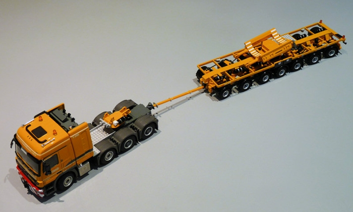 LTM 11200 boom