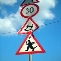 Vigyázzunk az útmenti veszélyekre!