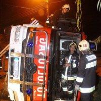 Nem minden tűzoltóautó borul fel!
