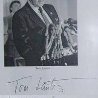 Tom Lantos autogramjai