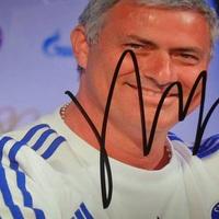 José Mourinho autogramja - Budapesten játszott a Chelsea F.C.