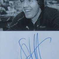 Sebastian Vettel: autogramos sztorik 2009-ből és 2011-ből