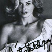 Anita Ekberg autogramja