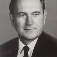 Grósz Károly (1930-1996) aláírt fotója