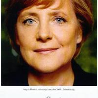 A kancellárnő marad (Angela Merkel autogramja)