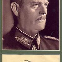 Aláírás a német kapitulációs okmányról (Wilhelm Keitel)
