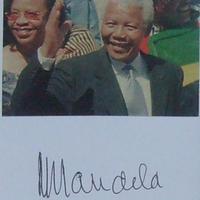 Nelson Mandela (1918-2013) autogramja
