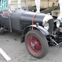 Marendaz - Bentleynek látszó sportkocsi