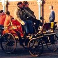 Négy kerék és pár deszka: a buckboard autók