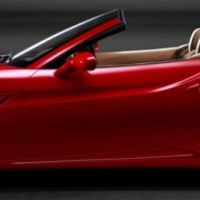 Friss: Ferrari California