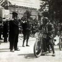 Szerdai járműtörténelem: motorsport