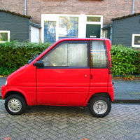 Milyen autó(?) van a képen?