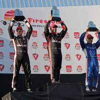 Montoya nyerte az Indycar nyitófutamát!