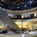 Legendárium, stílustanulmány és építészpornó a Mercedes stuttgarti múzeuma