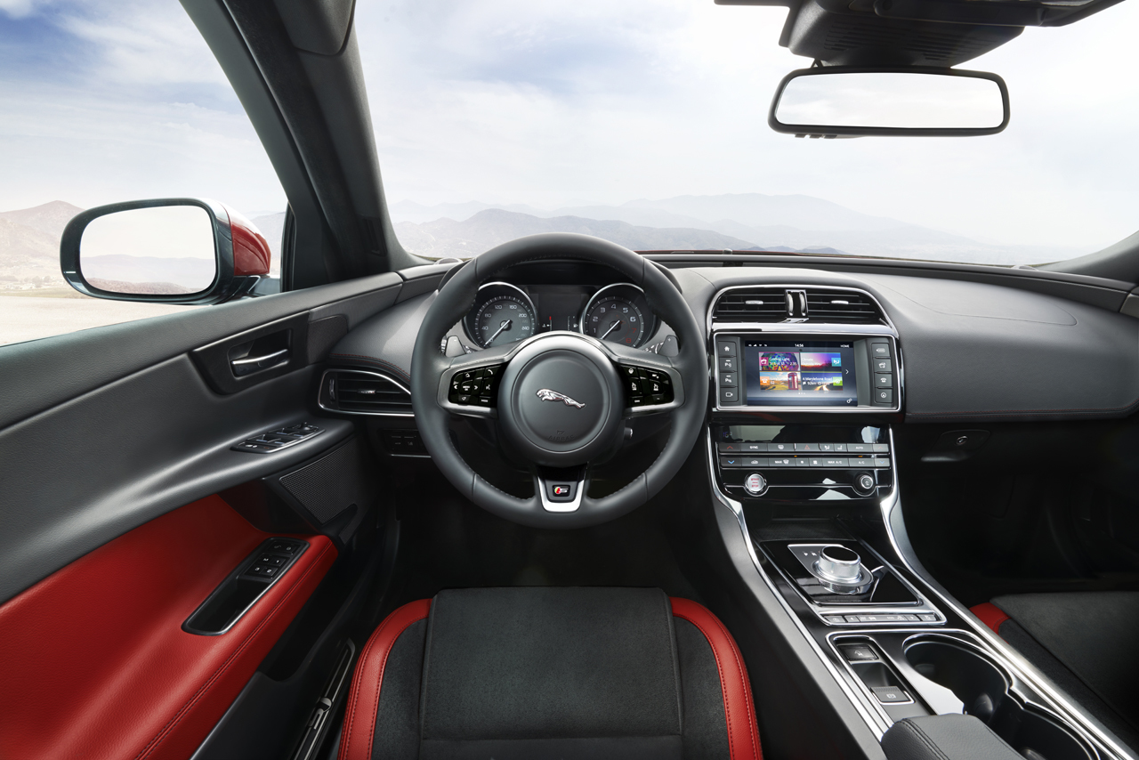 2016-jaguar-xe-01-1 - Copy.jpg