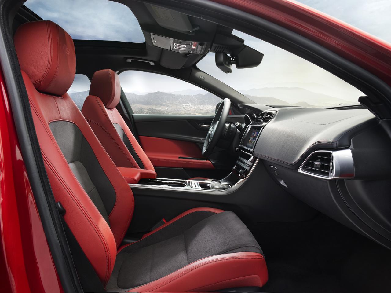 2016-jaguar-xe-13-1 - Copy.jpg