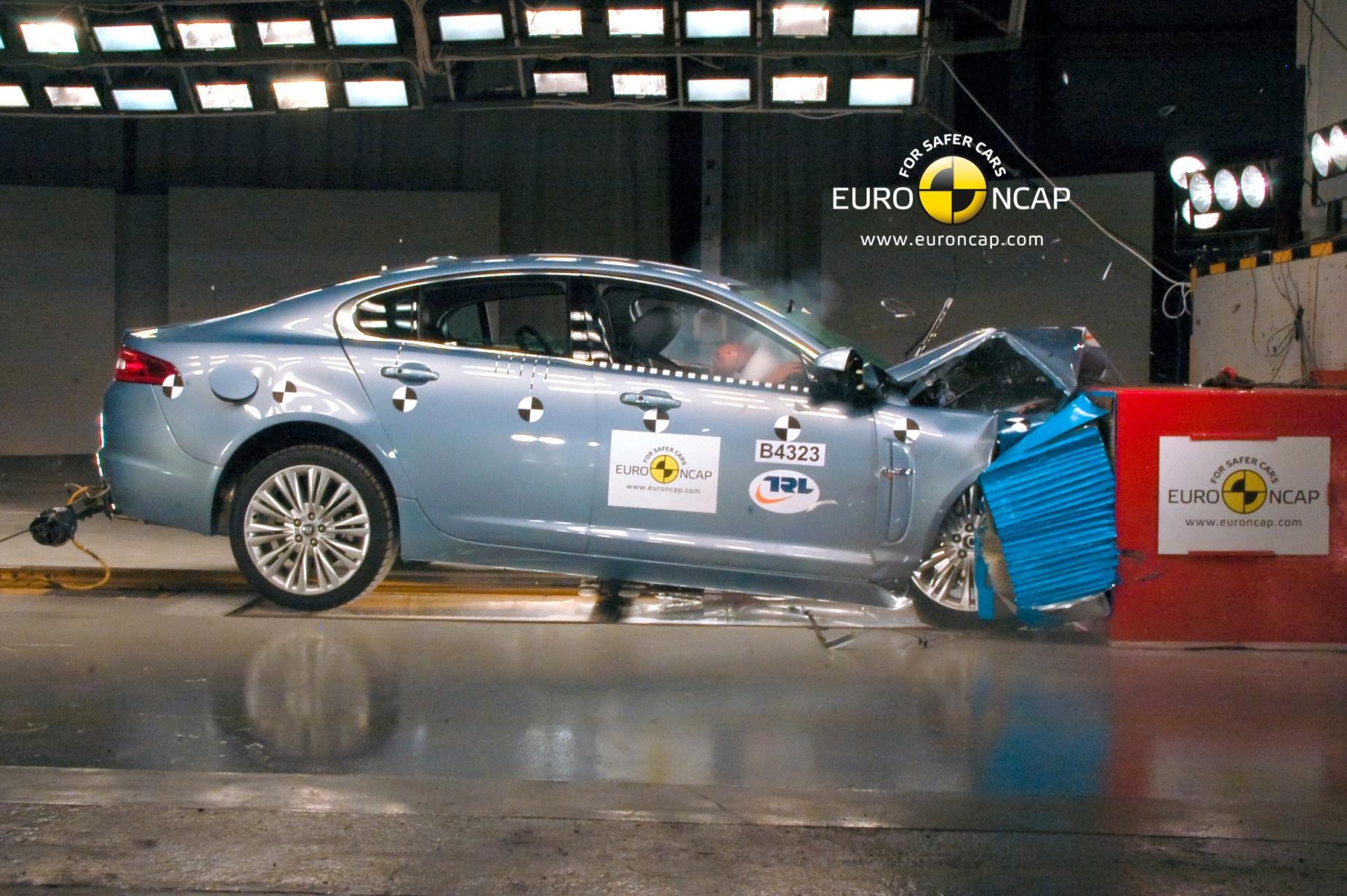 JAGUAR_XF_2011_Front- NCAP - Copy_1.jpg