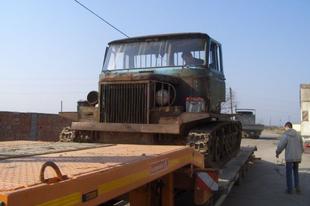 A lánctalpas IFA - Csepel 800 lánctalpas tüzérségi vontató