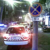 Rendőrautó tilosban