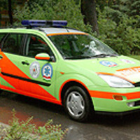 Miért divat leszarni a szirénázó mentőt?