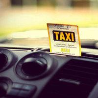 Lefoglalta magának az utcát a taxis