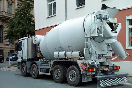 Betonkeverő kamion