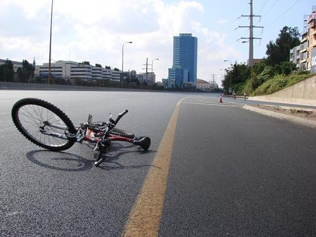 bicikli autópályán.jpg
