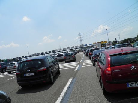 queueing_up_by_planetela-d59vgmk.jpg