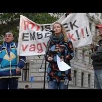 Egyetlen ingóságom az életem! Tüntetés a hajléktalan emberek üldözése ellen - videó