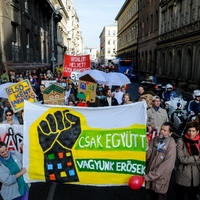 Two thousand people marched for housing in Budapest