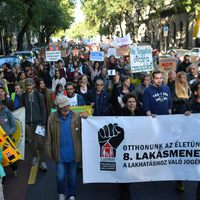 Fifteen hundred rally against mass evictions