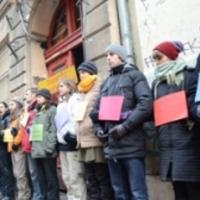 Harminc, a lakhatáshoz való jogért küzdő aktivistát vittek el a rendőrök
