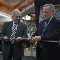 Átadták a felújított avasi Herman iskolát