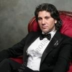 Avraam Rousso Vardapet (hittanító) akart lenni