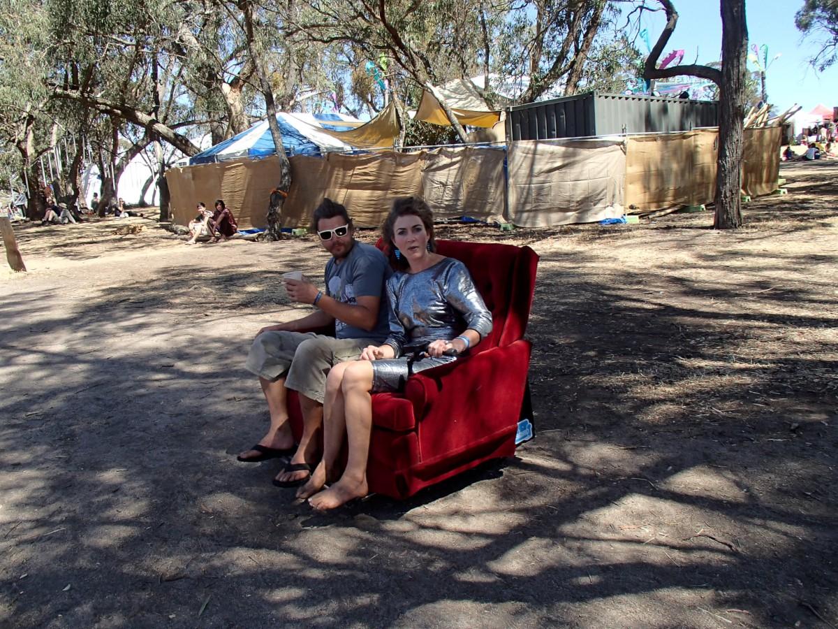 Kedvencünk: az elektromotoros oldalazó fotel! nem vicc...