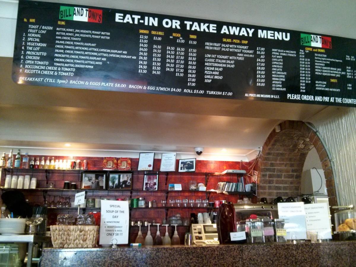 Andi első munkahelye, egy ikonikus 'kisszutykos, piroskockásterítős' olasz étteremben