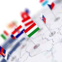 A társadalomszervezés és a kulturális identitás mentén hasad Európa