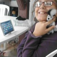 Óriási segítséget kapott az autista kislány és apukája