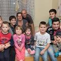 Utcára kerülhet egy 9 gyerekes család