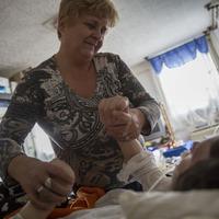 A civilek megoldották: 1.380.000,- Ft gyűlt  össze a kómás lányt gondozó anyának