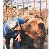 Medve Papát ma már csak a jó szándékú emberek tartják életben…