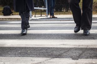 Amikor a blogert elgázolják a gyalogátkelőhely közepén….